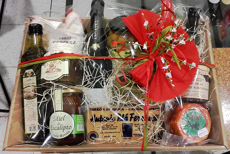 cesta de regalo para Navidad
