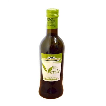 First harvest olive oil of Segorbe Nostrum en verde