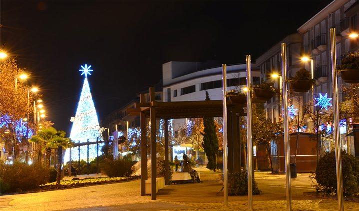 CEntro del pueblo de Las Rozas de Madrid en Navidad