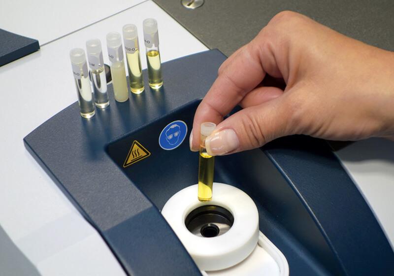 midiendo la acidez del aceite de oliva