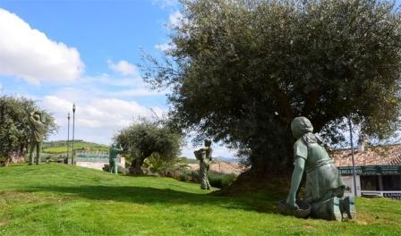 esculturas de la recogida de aceituna