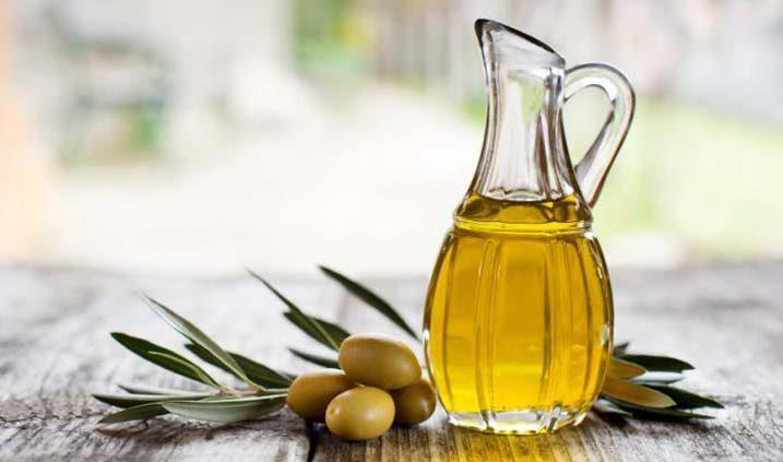 jarra con aceite de oliva