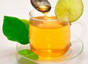 infusión endulzada con miel