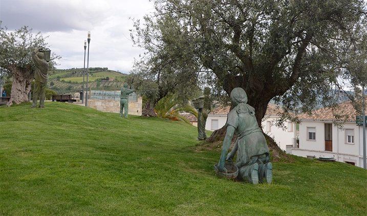 esculturas sobre la recogida de aceite